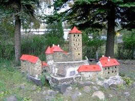 Model hradu Kost u železniční stanice v Louce u Litvínova