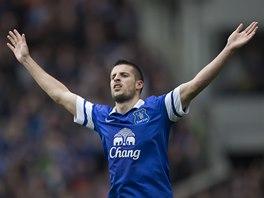 J� HO DAL. Kevin Mirallas z Evertonu slav� g�l.