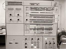 IBM System/360 - hlavní ovládací panel modulárního systému