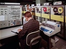 IBM System/360 umožnil univerzální a flexibilní nasazení díky možnosti...