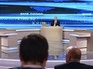 Ruský prezident Vladimir Putin odpovídal v televizi na dotazy diváků (17. dubna...