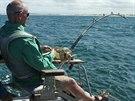 Andy Hales byl p�ipoutan� k ryb��sk�m �idli.