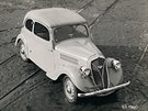 Škoda 420 Popular byla poháněna spodovým čtyřválcem o objemu 995 ccm. Postupně modernizovaný vůz se vyráběl v letech 1934 až 1938 v mnoha karosářských variantách včetně užitkových.