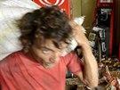 Rabování obchodu v Salvadoru při dvoudenní policejní stávce (17. dubna 2014)