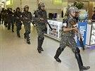 Na pořádek v Salvadoru musela dohlížet během dvoudenní stávky policie armáda...