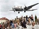 P�ist�vaj�c� letouny p�il�kaly velkou pozornost Berl��an�, kte�� byli zcela...