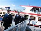 Ceremoniál startu sezony začal slavnostním defilé lodních kapitánů.
