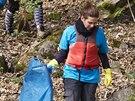 Víkendové čištění řeky Sázavy, jehož patronkou je zpěvačka Aneta Langerová....