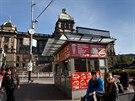 Současný problém nevzhledných stánků na Václavském náměstí stále nemá řešení.