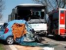 V�n� nehoda autobusu a osobn�ho auta Kia na silnici I/43 pobl� Bo�itova na...