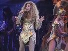 V jednom z kostýmů vypadá Cher jako Beyoncé.
