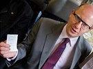 Premiér Bohuslav Sobotka se projel vlakem, absolvoval cestu z Týniště n.Orlicí...