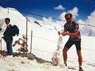 Cestovatel Petr Kafka na kole v Alpách
