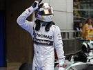 Lewis Hamilton po vítězné kvaifikaci na Velkou cenu Číny formule 1.