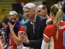 Miroslav �ada rad� volejbalistk�m Prost�jova