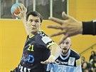 Plze�sk� h�zenk�� Petr Vinkelh�fer m� v p��prav� na novou sezonu probl�my.