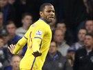 Jason Puncheon z Crystal Palace slaví svůj gól.