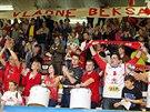 Fanoušci slaví postup pardubických basketbalistů do ligového semifinále.
