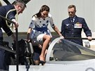 Vévodkyně Kate si dala na nasedání do stíhačky obzvlášť záležet.