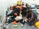 U korejských břehů se potápí trajekt se 470 lidmi na palubě. (16. dubna 2014)