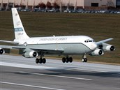 Americký pozorovací letoun OC-135B na základně Offutt v Nebrasce