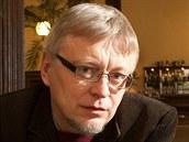 Novin�� a spisovatel Pavel Kosat�k