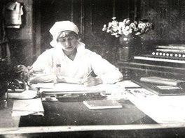 Dobová fotografie ze zámku Velké Březno, když za první světové války sloužil