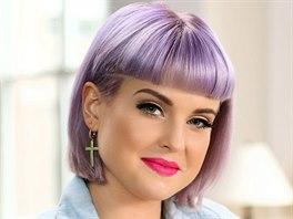 Na netradiční barvy vlasů si potrpí i zpěvačka a moderátorka Kelly Osbourneová