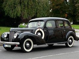 Škoda Superb OHV z roku 1939. Superb stál na vrcholu v hierarchii předválečných škodovek, mezi ním a rapidem byl ještě nejméně rozšířený favorit.