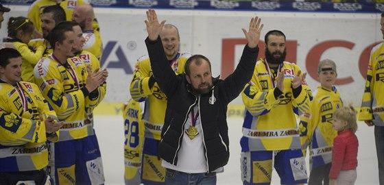 PAN ŠÉF. Rostislav Vlach získal se Zlínem titul v roce 2004 jako hráč, teď slaví coby trenér.