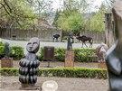 Ze Zimbabwe pochází i 157 kamenných soch, které ředitel zoo Přemysl Rabas v