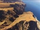 Divoké pobřeží ostrova Gomez