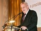 Prezident Milo� Zeman na �of�nsk�m f�ru, kde se vyj�d�il pro zru�en� podpory...