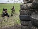 Proru�t� radik�lov� u kontroln�ho stanovi�t� pobl� ukrajinsk�ho Slavjansku,...