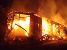 Požár v Holíně na Jičínsku zachvátil skladovací halu s loňským senem.