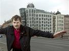 Vlado Miluni� Narodil se v roce 1941 v jugosl�vsk�m Z�h�ebu. Do �ech p�i�el za