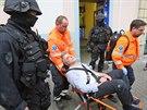 Zásah kriminalistů ÚOOZ v Islámské nadaci v ulici Politických vězňů v Praze.