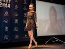 Modelka Mungunzul Bayarkhuu p�i slavnostn�m fin�le