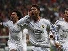 Obránce Sergio Ramos z Realu Madrid se raduje ze vstřeleného gólu.