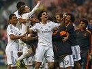 Fotbalisté Realu Madrid se radují z postupu do finále Ligy mistrů.
