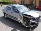 Řidička renaultu nedala v křižovatce přednost octavii jedoucí po hlavní silnici.