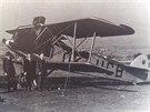 Dopravní letadlo Aero A-22 na libereckém letišti vě 30. letech 20. století.
