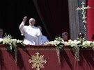 Pape� Franti�ek m�v� z balk�nu svatopetrsk� baziliky odhadem 150 tis�c�m