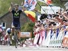 Španělský závodník Alejandro Valverde slaví svůj triumf v klasice Valonský šíp.