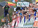 Alejandro Valverde slaví vítězství na belgické klasice Valonský šíp.