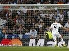 SNADNÁ PRÁCE. Karim Benzema střílí první gól Realu Madrid v semifinále Ligy