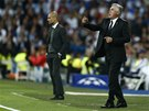 SOUBOJ MIMO HŘIŠTĚ. Trenér Realu Madrid Carlo Ancelotti divoce gestikuluje na