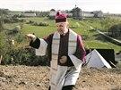Generální vikář královéhradeckého biskupství Josef Socha požehnal vinici v...