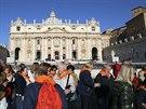 Do Říma přijíždějí zástupy poutníků z celého světa (Řím, 25. dubna 2014).