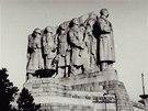 Stalinův pomník na pražské Letné byl dokončen v roce 1955 a stál tu až do roku 1962.